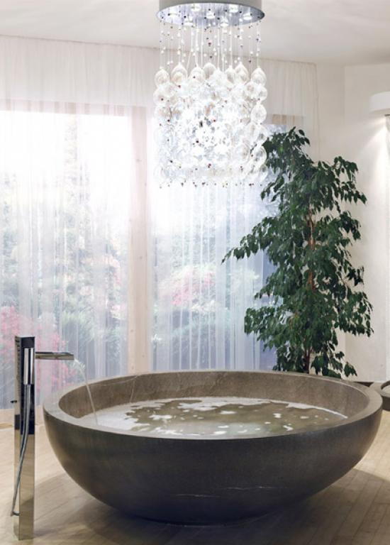 Salle de bain contemporaine en calcaire for Baignoire contemporaine design
