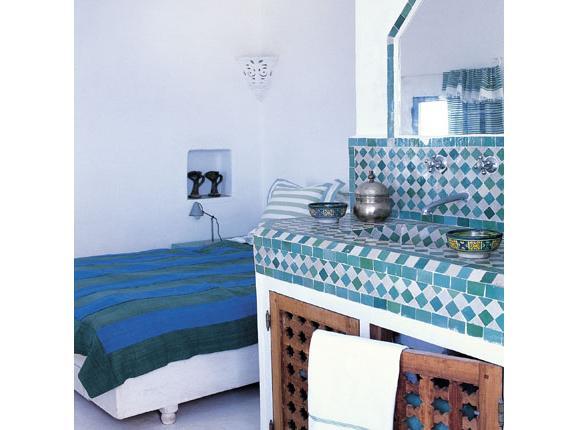 poser du carrelage zellige. Black Bedroom Furniture Sets. Home Design Ideas